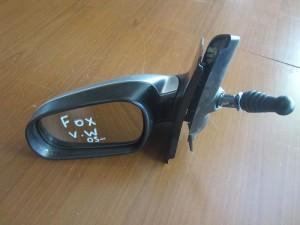 VW fox 05 μηχανικός καθρέπτης αριστερός ασημί